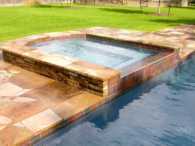 Traditional Hot Tub with Pool with hot tub, Fence