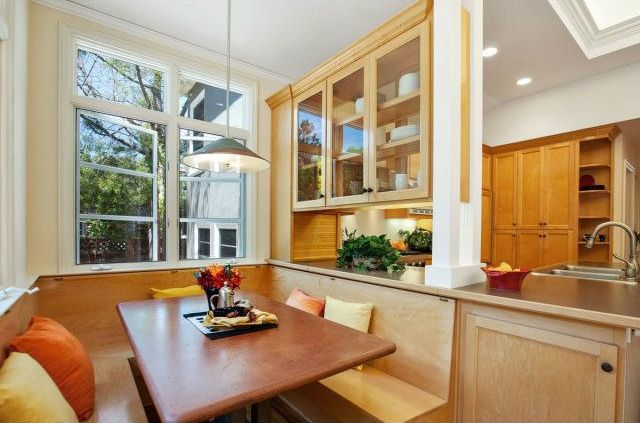 Craftsman Kitchen with can lights, Breakfast nook, Casement, Standard height, Crown molding, Multiple Sinks, Pendant light