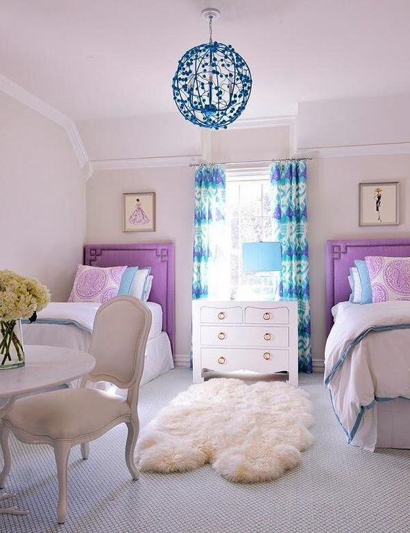 Eclectic Guest Bedroom with picture window, Crown molding, Standard height, Pendant light, Carpet