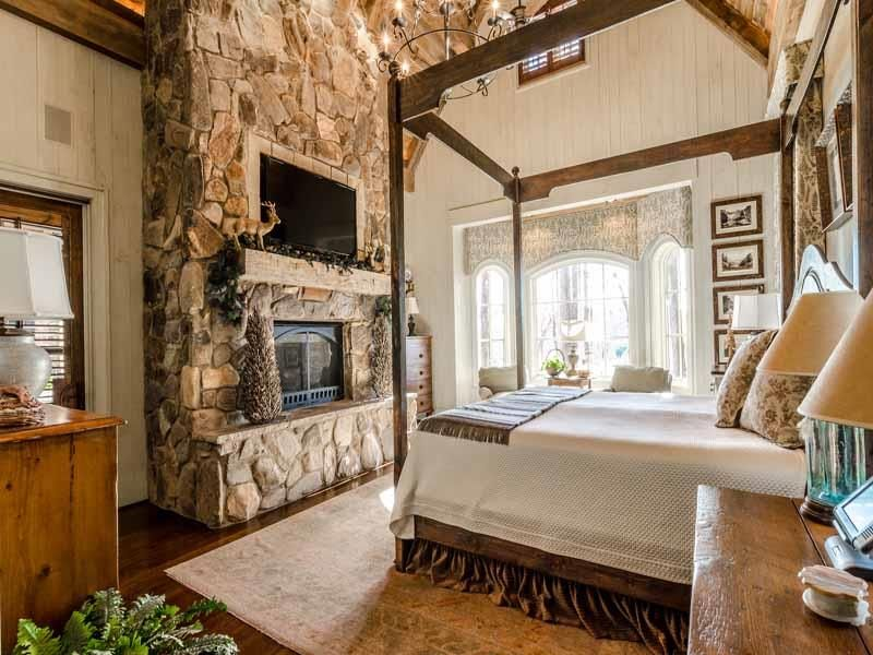 Arched, Chandelier, Exposed Beams, Hardwood, High (3.0-4m), Rustic, Stone