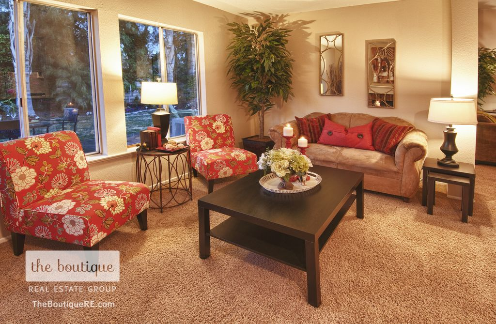 Traditional Living Room with Casement, Carpet, Standard height