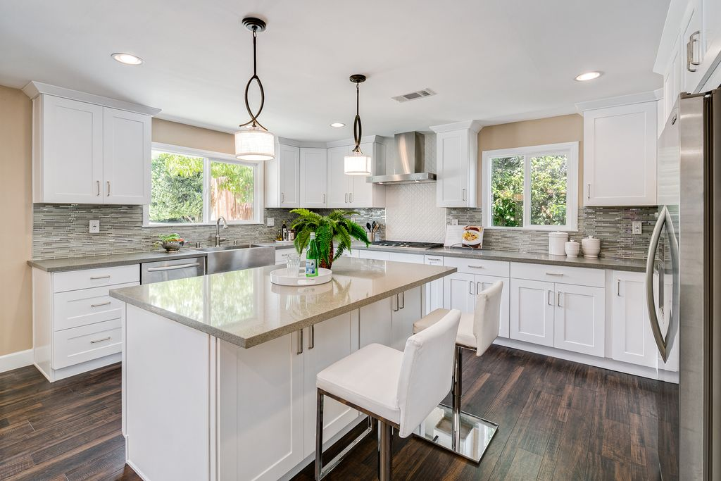 Contemporary Kitchen With U Shaped Kitchen Island In Pasadena CA Zil