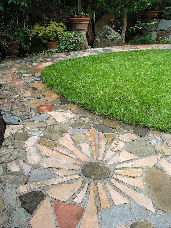 Traditional Landscape/Yard with exterior stone floors, Pathway, Flagstone, Fence