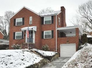 2352 Crestview Rd , Pittsburgh PA