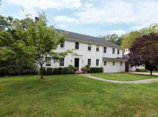 322 Canoe Hill Rd , New Canaan CT