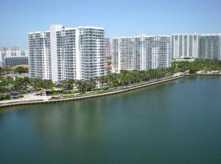 18081 Biscayne Blvd # 1402-4, Aventura FL