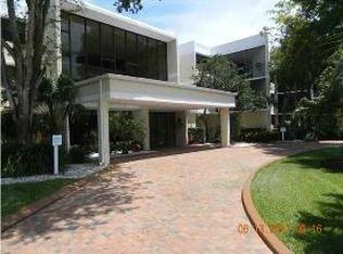 16475 Golf Club Rd Apt 201, Weston FL