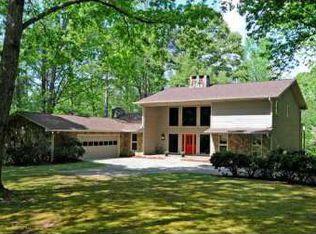 215 Sandy Lake Cir , Fayetteville GA