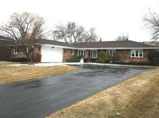 2S640 Avenue Latour , Oak Brook IL