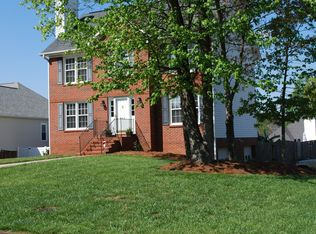 945 George Place Dr , Kernersville NC