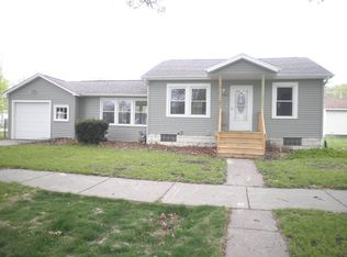 1004 11th St NW , Cedar Rapids IA