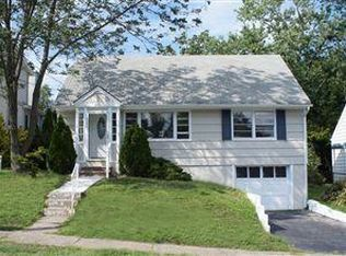 35 Donna Dr , Bloomfield NJ