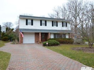 5 Lincoln Dr , Kings Park NY