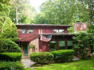 6 S Glenwoods Rd , Gales Ferry CT