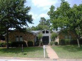 617 Donna Ln , Bedford TX
