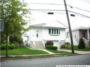 784 Leverett Ave , Staten Island NY