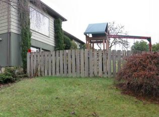 762 E 11th Pl , Coquille OR