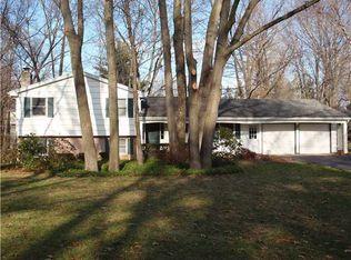 5 Oak Leaf Ln , Pittsford NY