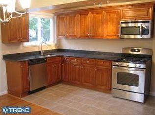 742 Bennington Rd , Folcroft PA