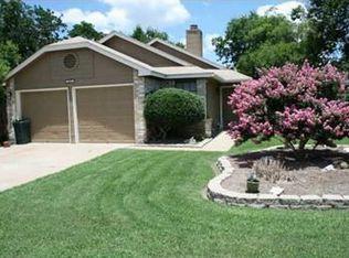 811 Meadowcreek Dr , Round Rock TX