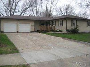 5705 W 43rd St , Sioux Falls SD