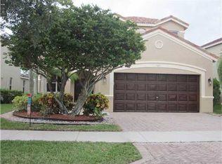 827 Vista Meadows Dr , Weston FL