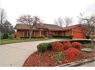 3933 Raintree Ln , Northbrook IL