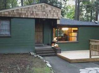 17522 33rd Ave NE , Lake Forest Park WA