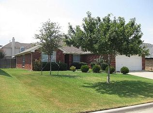 626 Manchester Dr , Mansfield TX