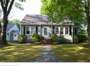122 Middle Rd , Falmouth ME