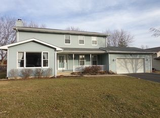 650 N View St , Hinckley IL