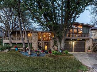 1301 Briarwood Blvd , Arlington TX