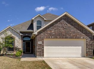 10904 Middleglen Rd , Fort Worth TX