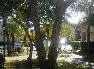 15213 SW 111th St , Miami FL