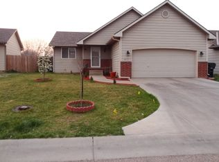 2613 N Edgemoor Dr , Wichita KS