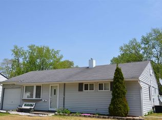 812 Manchester Dr , South Bend IN