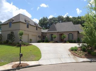204 Jefferson Rdg, Ridgeland, MS 39157