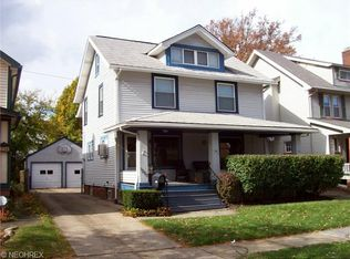 1250 Gladys Ave , Lakewood OH