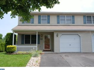 212 Carriage Dr , Wernersville PA