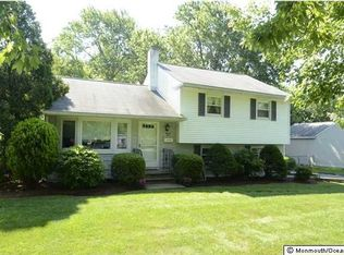 25 Millbrook Dr , New Monmouth NJ