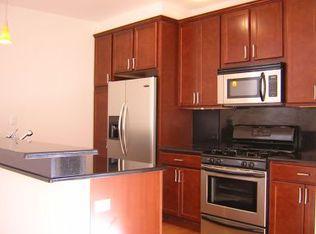 834 W Montrose Ave Unit 202, Chicago IL