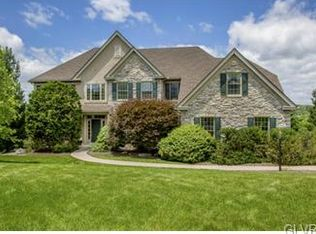 1731 Creek View Dr, Fogelsville, PA 18051