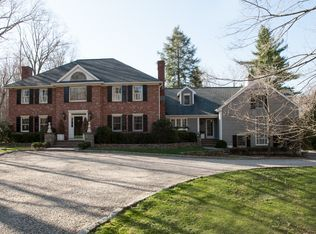 612 Silvermine Rd , New Canaan CT