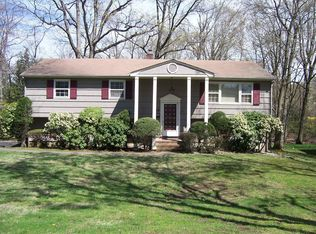 24 Knollwood Dr , Livingston NJ