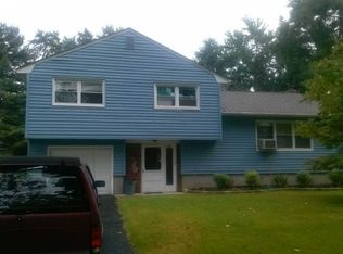 79 Skyline Dr , Clark NJ