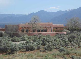 9 Irish Rd , Ranchos De Taos NM