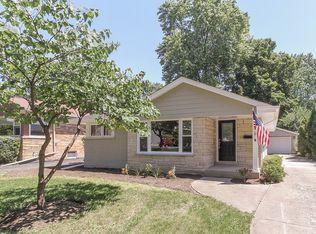 945 N Kaspar Ave , Arlington Heights IL