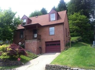 1113 Sunset Dr , Fairmont WV