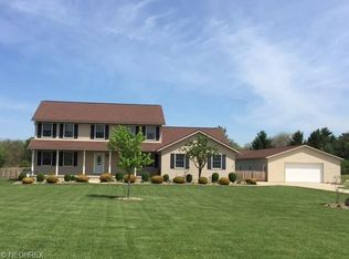 501 Springtree Dr , Valley City OH
