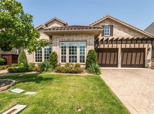 419 Fountainview Dr , Irving TX